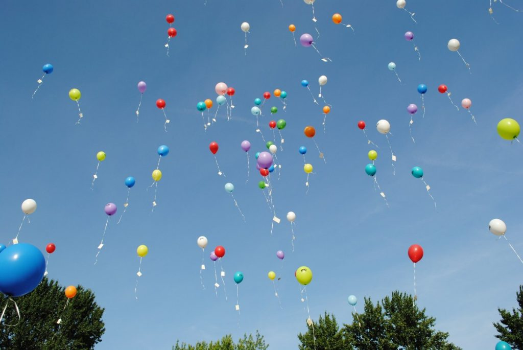 balloons_celebration_float_helium_ease_celebrate_take_off_balloon_competition-1061709 (1)